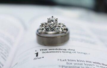 峯岸みなみにプロポーズしたのはてつや(東海オンエア)!馴れ初めや最愛の推しに感動!
