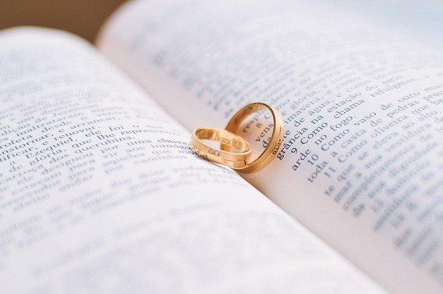 人気声優の入野自由が結婚!結婚相手は誰で過去の熱愛相手の声優とは?